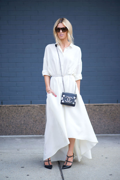 54bc2409a16c5_-_hbz-shirtdress-7-street-style-nyfw-ss2015-day1-10