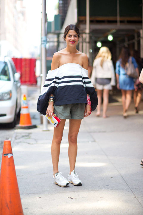 shorts, sneakers, off the shoulder shirt, blogger style, man repeller,