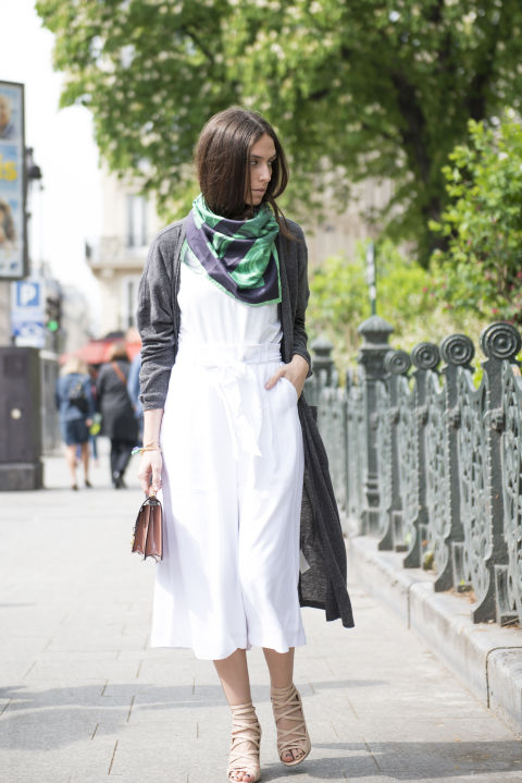 culottes-scarf-blogger-style-via-all-white-long-cardi-via-elle