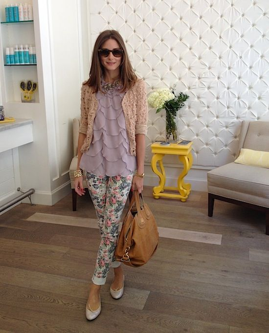 easter-outfits-floral-pants-ruffle-top-pastels-ballet-flats-olivia-palermo-via-oliviapalermo.com