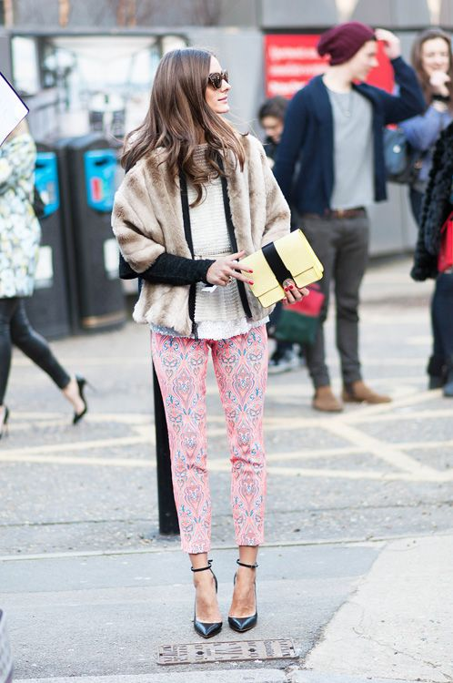 easter-printed-pants-fur-coat-pepulm-spring-work-outfit-night-out-shower-brunch-olivia-palermo-paisley-print-via-trendencias.com