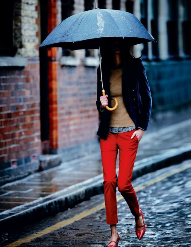 rain-outfit-via-bodenusa.com, red pants, preppy, classic, umbrella