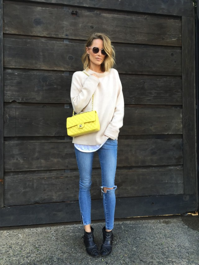 weekend-vasual-oversized-sweater-ripped-jenas-nakle-boots-via-anine's world