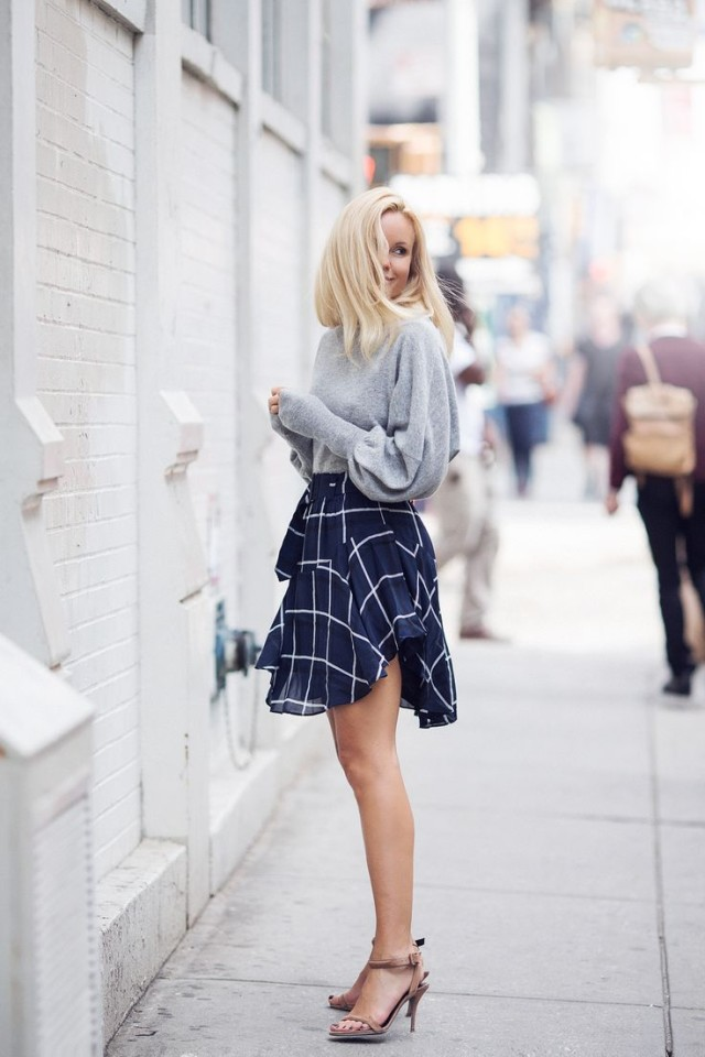 windowpane-print-layered-skirt-mini-heels-grey-sweater-oversized-slouchy-sweaters-and-skirts-spring-work-outfit-night-out-party