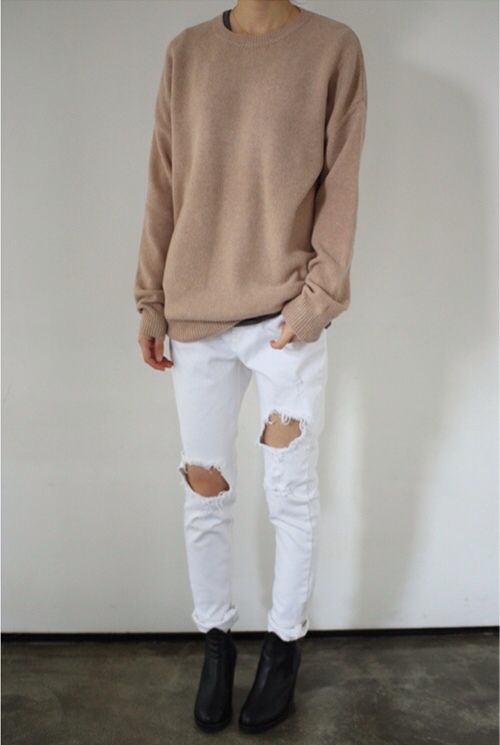 white jeans, ripped jeans, fall, spring, neutrals, booties, camel sweater, oversized sweater