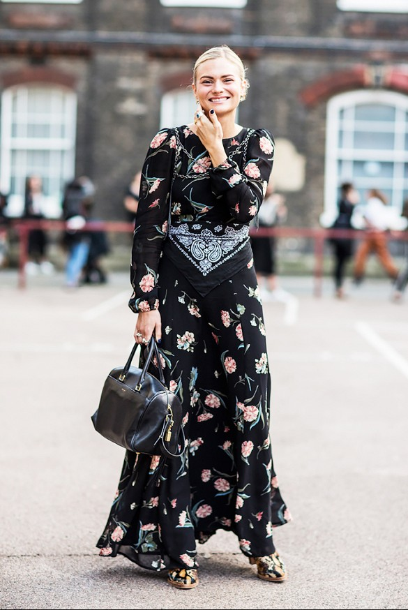 black-dark-florals-long-floral-maxi-dress-bandana-scarf-styling-hac-floral-pshoes-mixed-prints-fall-spring-summer-via-pandora sykes