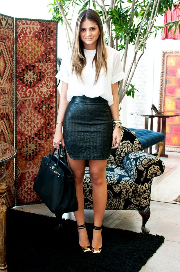 How To Wear a Leather Mini Skirt in Summer | Closetful of Clothes