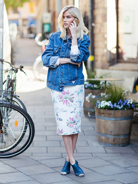 denim-jacket-floralpencil-skirt-mules-work-summer-via-stockholm street style