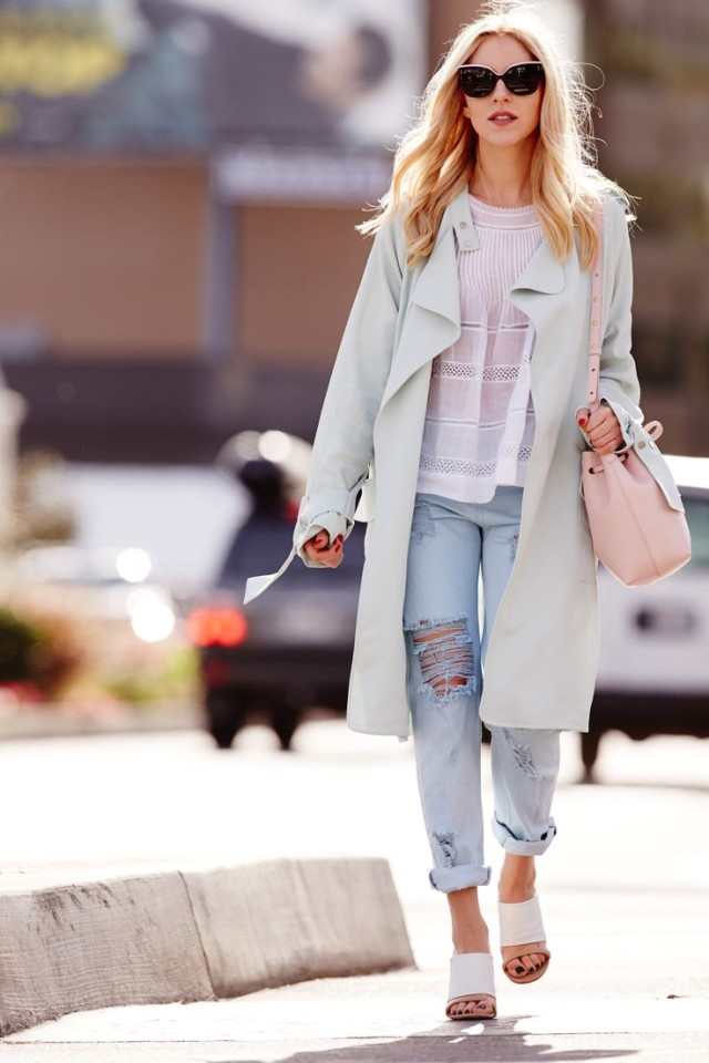 duster-coat-boho-white-top-rolled-boyfriend-jeans-distressed-denim-duster-coat-mint-coat-pink-bucket-bag-mules-vspring-summer-weekend-via-www