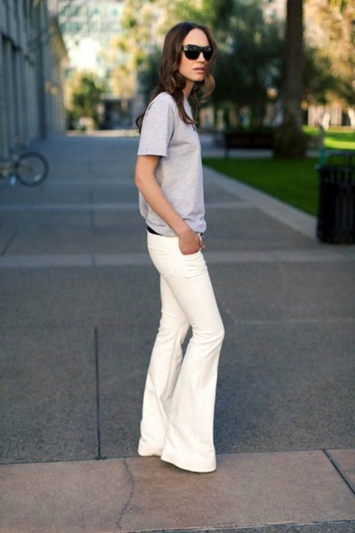 flared-white-jeans-spring-weekends-flares-grey-tee-weekend-spring-weekend-outfits-casual-spring-neutrals-via-emerson-fry