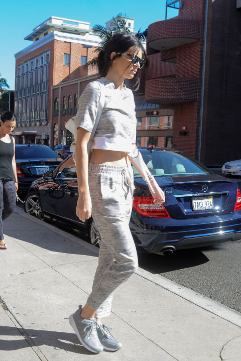kendall-jenner, grey, sweats, sneakers, crop top, spring, weekend