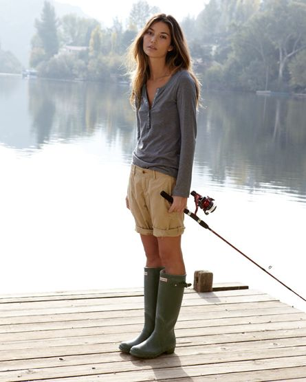 lake-summer-fishing-wellies-khaki-shorts-henley-summer-weekend-via-joannagoddard.blogspot.com