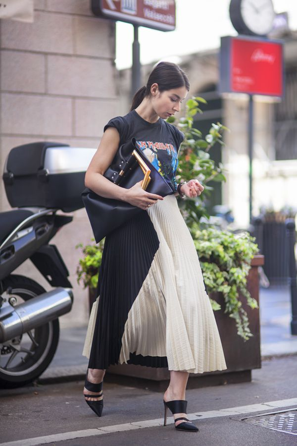 pleated-maxi-skirt-mules-vintage-rocker-tee-graphic-tee-summer-spring-blogger-via-