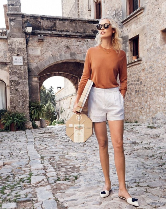 ee24c3b1af4 Summer Vacation Dressing Guide  What To Wear Sightseeing in Europe ...
