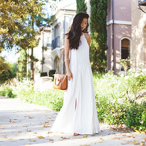 summer-long-white-dress-maxi-dress-sundress-via-pose.com