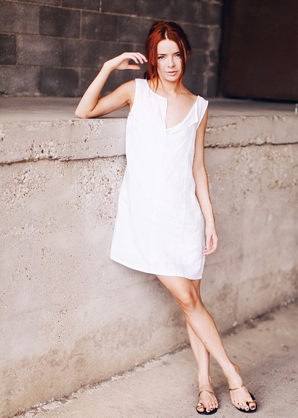 summer-white-dress-sandals-via-seaofshoes