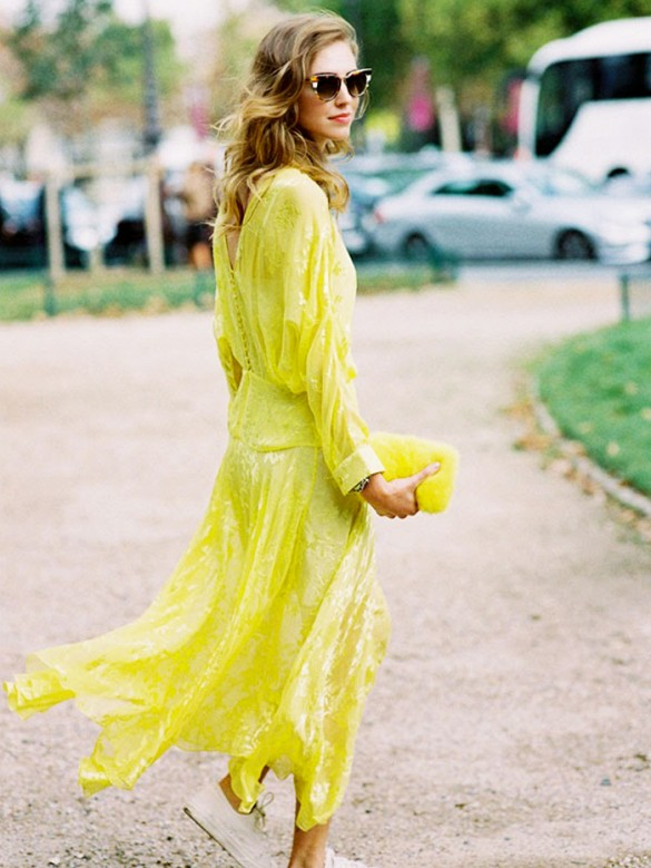 summer-yellow-maxi-dress-wedding-sneakers-blogger-style-party-giong-out-night-out-via-vanessa-jackman