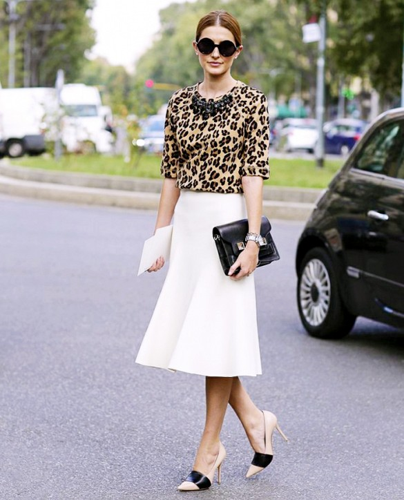 white-midi-skirt-leopard-print-top-necklace-clutch-heels-work-outfits-spring-outfits-via-leeoliveira