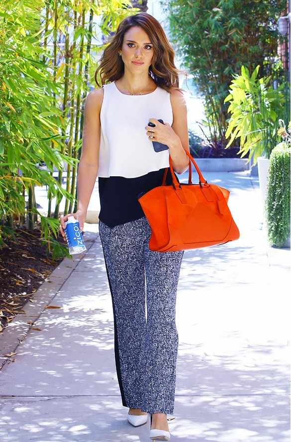 work-summer-printd-pants-jessica-alba-summer-via-www