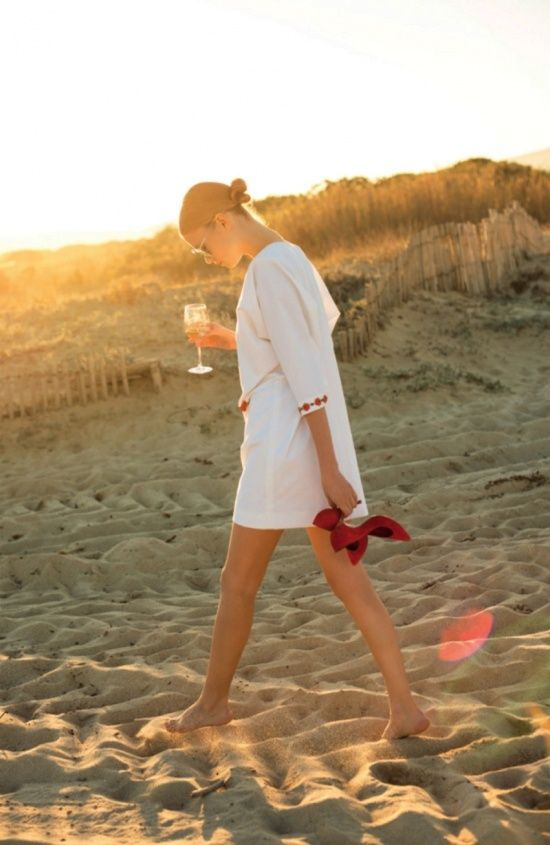 beach-hamptons-beach-party-cover-up-cocktails-bonfire-sunset-via-dustjacketattic