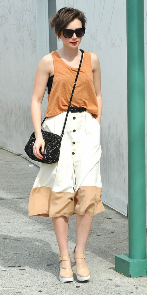 colorblock-summer-work-midi-skirt-button-front-wedges-tank-lily-collins-via-www