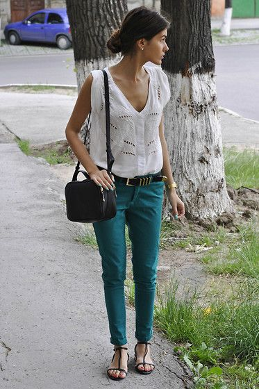 colored-jeans-white-eyelet-tank-top-sandals-weekend-via-lookbook.nu