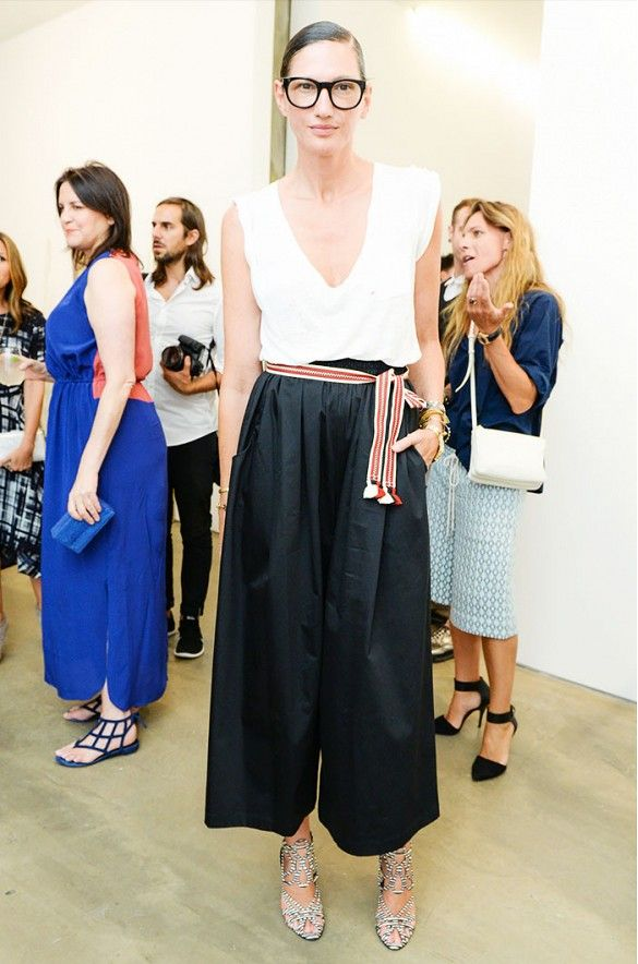culottes-kangaroo-belt-summer-outfit-going-out-work-party-bbq-jenna-lyons-via-www