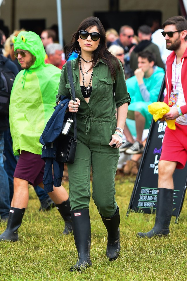 glastonbury-2015-style-festival-fashion-wellies-rain-boots-via-getty-daisy-lowe