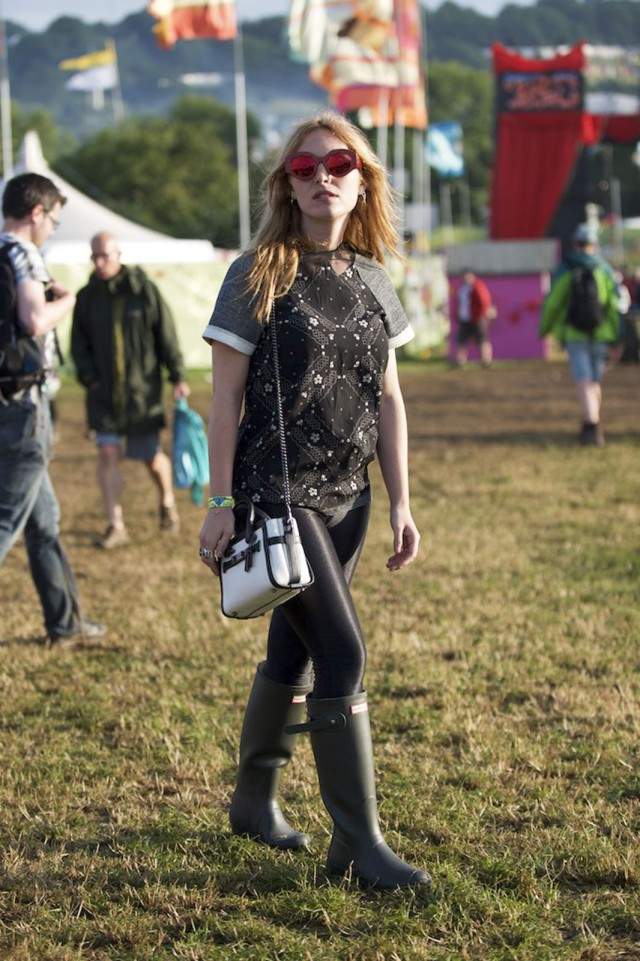 glastonbury-2015-style-festival-fashion-wellies-rain-boots-via-getty-sunglasses