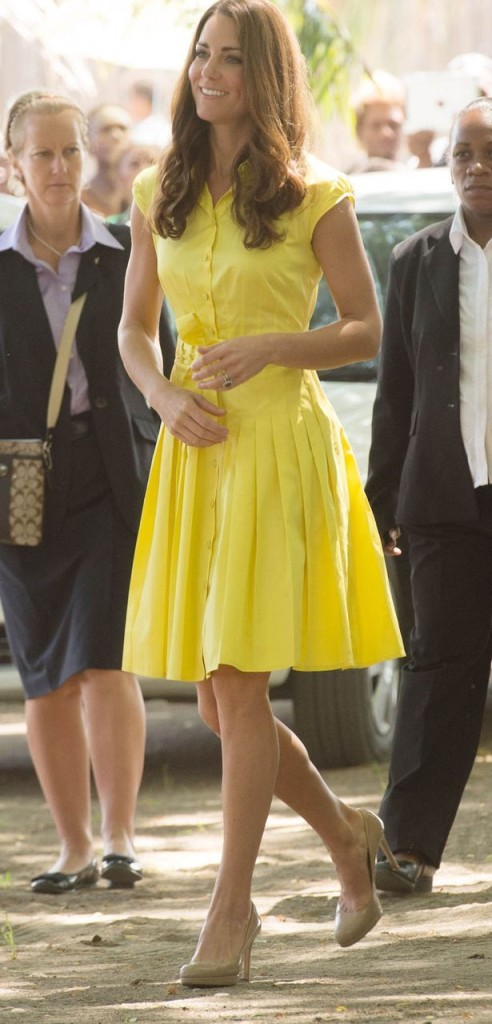 kate-middleton-yellow-shirt-dress-summer-outfits-work-via-mirror.co.uk