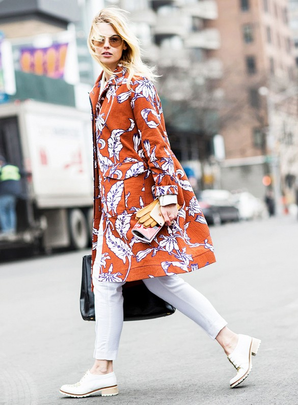 leaf-print-spring-jacket-white-jeans-oxfords-spring-summer-via-aloveisblind