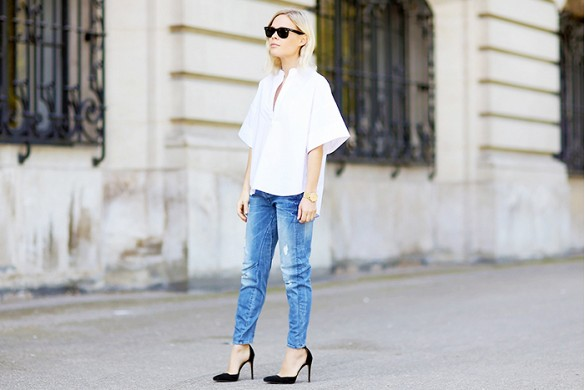 mom-jeans-black-dorsay-pumps-black-and-white-white-shirt-bell-sleeves-via-we-the-peole-tunic