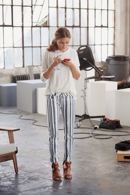 olivia-palemor-striped-jeans-pants-wedge-sandals-summer-weekend-via-theyallhateus.com