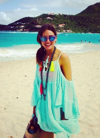 olivia-palermo-beach-cover-up-jetsetter-vacation-summer-beach-outfit-via-graziadaily.co.uk