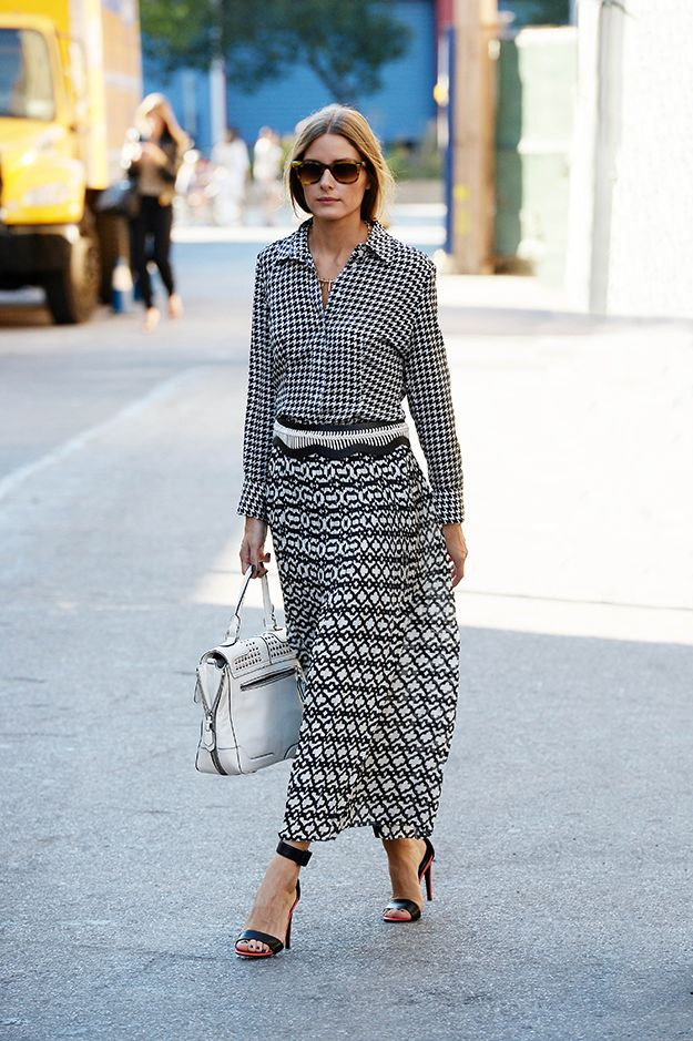 olivia-palermo-maxi-skirt-black-and-white-graphic-print-maxi-skirt-graphic-houndstooth-blouse-mixed-prints-summer-spring-night-out-date-night-going-out-party-work-via-stylelist.com