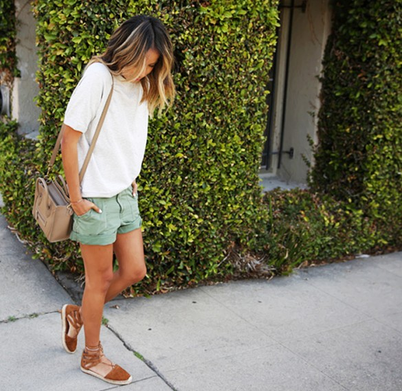 shorts-cargo-shorts-amry-green-shorts-white-oversized-tee-espadrilles-flats-summer-weekend-casual-via-sincrelyjeules