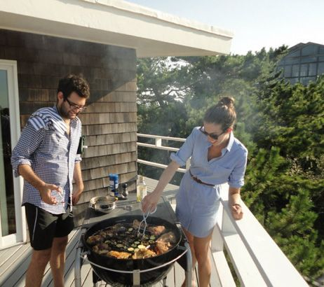 summer-bonfire-weekend-bbq-hamptons-via-joanngoddard.blogspot.com