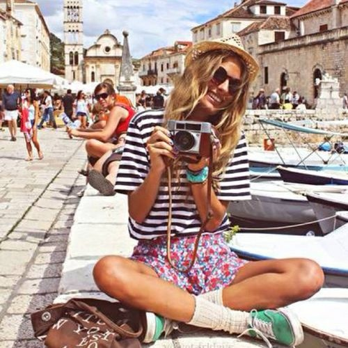 summer-vacation-sightseeing-mixed-prints-strips-and-florals-cameral-photog-sneakers-via-weheartit.com
