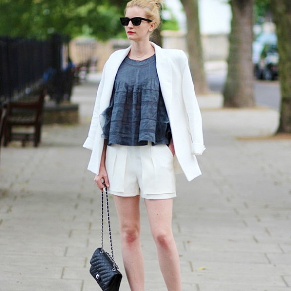 white-blazer-shorts-suit-summer-work-outfit-work-shorts-via-pose.com