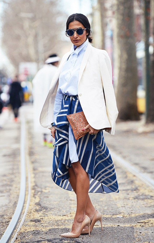 white-blazer-style-hack-layered-skirt-summer-work-outfit-via-carolines mode