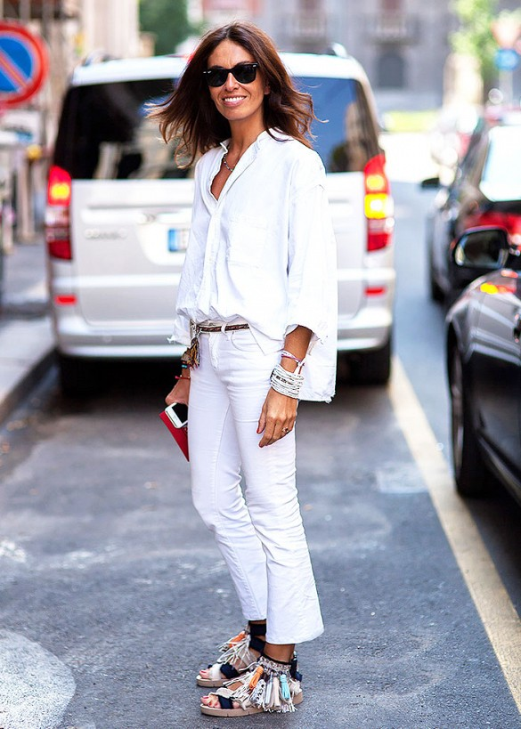 white-jeans-summer-vacation-outfit-all-white-sandals-jetsetter-via-shot by gio