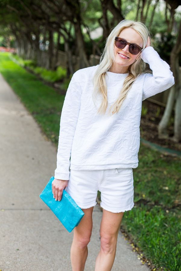white-shorts-sweatshirt-summer-outfit-beach-hamptons-casual-weekend-clutch-sunglasses-blogger-style-luellajune