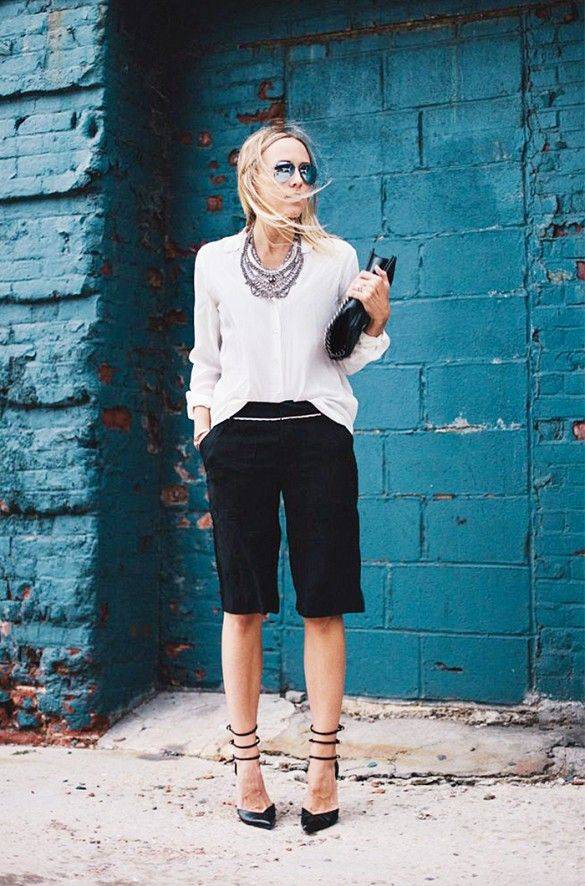 work-shorts-statement-necklace-black-and-white-via-damsel-in-dior, bermuda shorts