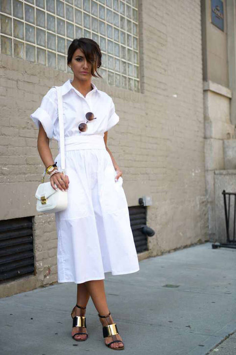 09-lovely-pepa--all-white-summer-work-outfit-midi-skirt-gold-metallic-sandals