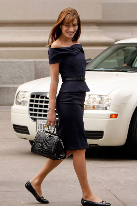 french-style-carla-bruni-dress-flats-summer-work-style-via-wireimage