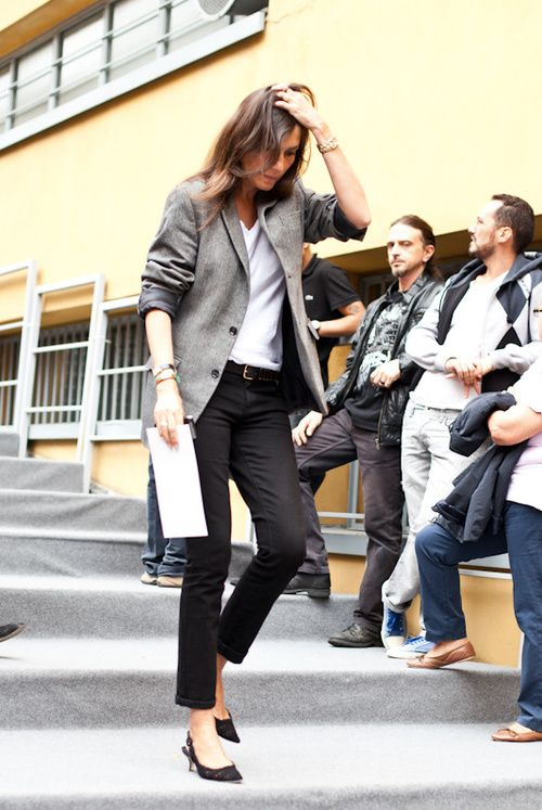 french-style-emmanuelle-alt-tweed-blazer-black-pants-via-lamodellmafia.com