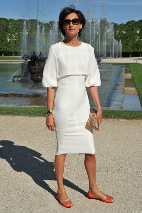 french-style-summer-work-outfit-dresses-with-flats-ines-de-la-fressange-via-getty