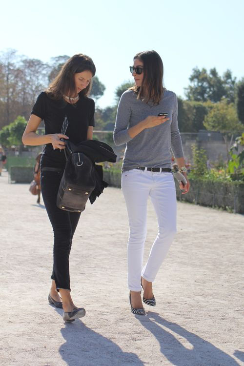 french-style-white-jeans-grey-sweatshirt-flats-black-jeans-via-fashionista.com
