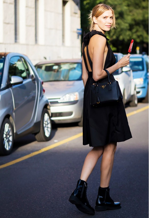 lbd-black-dress-date-night-going-out-party-black-booties-summer-booties-chelsea-boots-via-style du monde