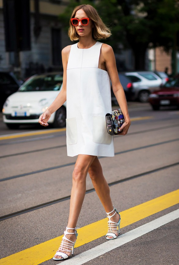 little-white-dress-lwd-shift-dress-cage-heels-blogger-editor-style-via-style du monde